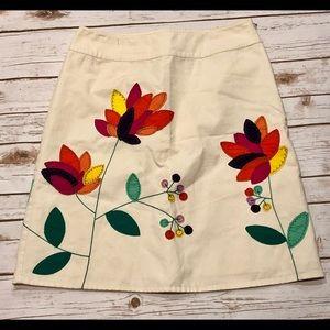 🎉HP🎉Boden Floral Appliqués Skirt Size 10